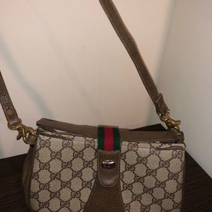 Authentic Gucci purse, in pretty good condition.